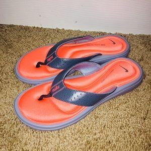 Nike memory foam sandals size 8
